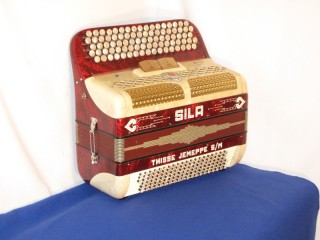 Sila continental system button accordion