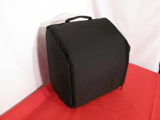 Soft side loading case for 8 bass accordion
