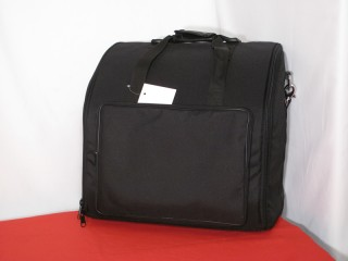 Soft front loading case with pocket for 96 bass