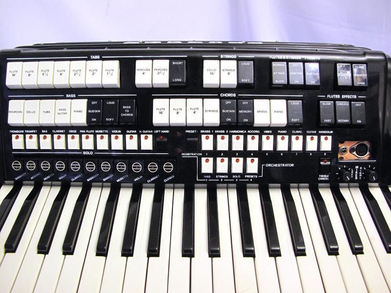 Elkavox MIDI piano accordion with new expander