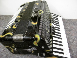 Aliante 3 voice 37-96 decorated piano accordion