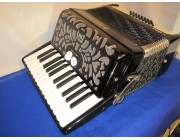 Delicia 26 key 48 bass accordion