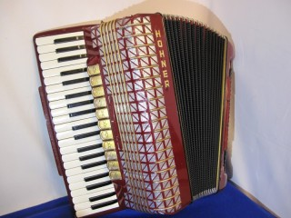 Hohner Atlantic 120 bass accordion
