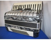 Parrot pearlescent grey 80 bass accordion