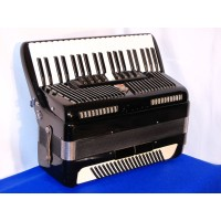 Scandalli traditional 4 voice 41 key 120 bass Scottish tuned accordion