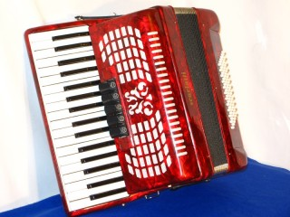 Scarlatti 34 treble 72 bass piano accordion