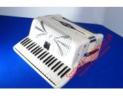 Sonola compact 120 bass piano accordion white