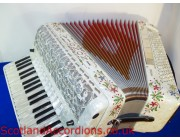 VIGNONI SUPER MUSETTE MIDI DECORATED ACCORDION