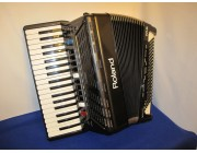 Roland FR3S Digital accordion with built in speakers